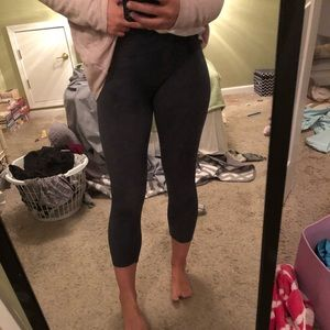 Lululemon cropped dark grey/blue leggings